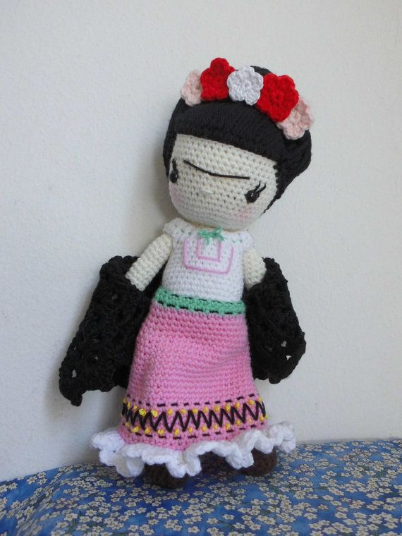Frida Khalo muñeca de ganchillo de 27 cm on Etsy, 48,34 €