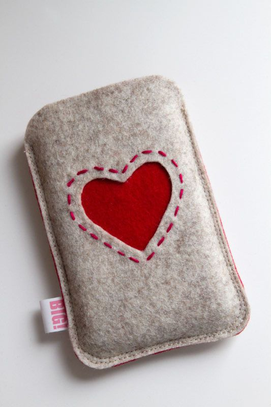 Phone case RED HEART. Gonna make that tomorrow x