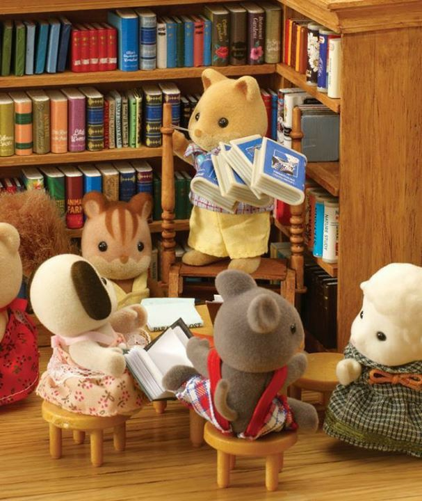 #SylvanianFamilies. Reminds me of library time at primary/elementary school. Many years ago!