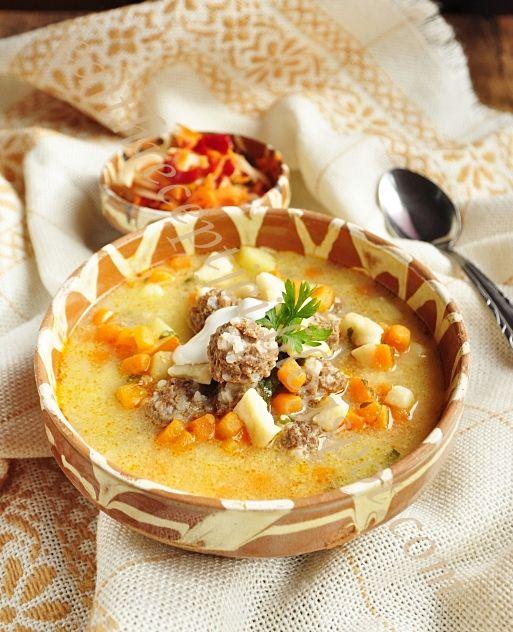 Kalandok a konyhában : Húsgombócos krumplicsorba