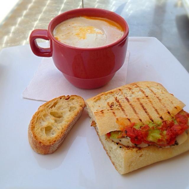 レシピとお料理がひらめくSnapDish - 24件のもぐもぐ - Pesto & Bacon Sandwich with a Roasted Red Pepper and Goat Cheese soup. Mmm by robert flicker