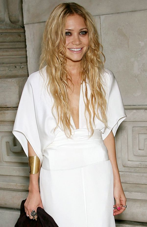 favorite look: Kimonos Dresses, Kimonos Style, Fashion Style, White Kimonos, Mary Kate Olsen, White Dresses, Hair, Style Blog, Olsen Twin