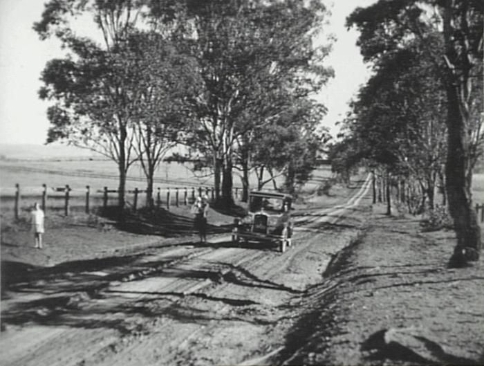 View along Cobbitty Road in 1928 (Camden Images)