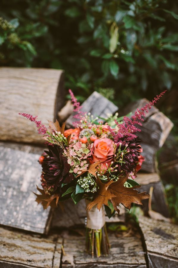 40  Gorgeous Fall Leaves Wedding Ideas   http://www.deerpearlflowers.com/40-gorgeous-fall-leaves-wedding-ideas/