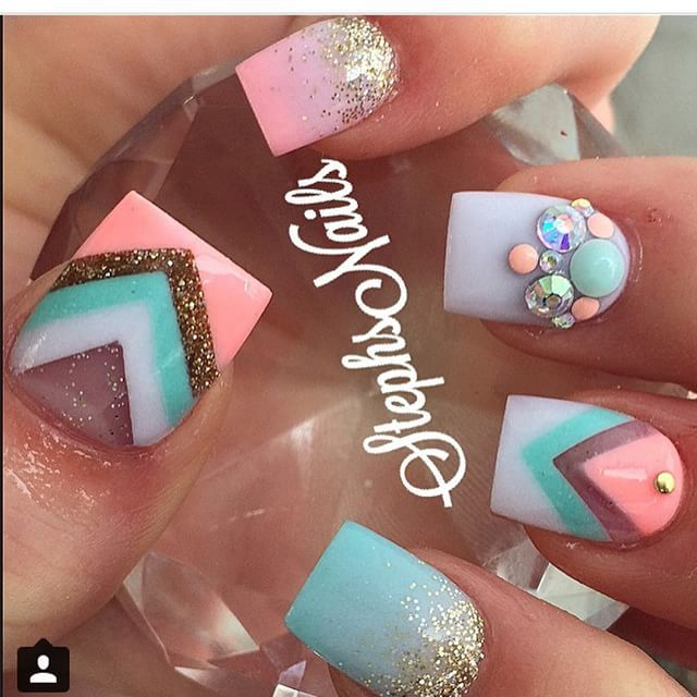 Instagram photo of acrylic nails by _stephsnails_