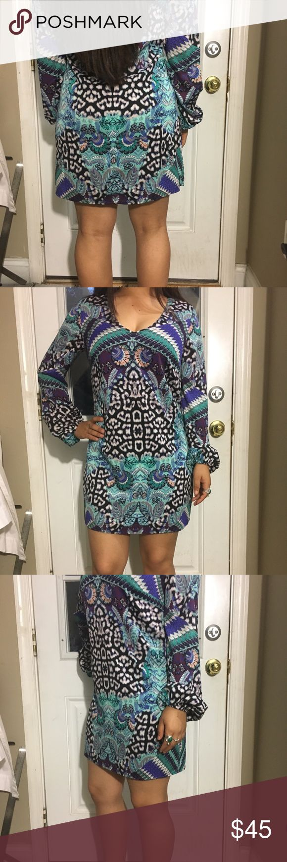 """Bebe dress Beautiful dress. It has no stretch. Person who model it for me is 5 2"""" around 130 lbs. hope this helps. Let me know if you have any questions. New tags. bebe Dresses Long Sleeve"""