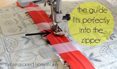 How to insert a zipper