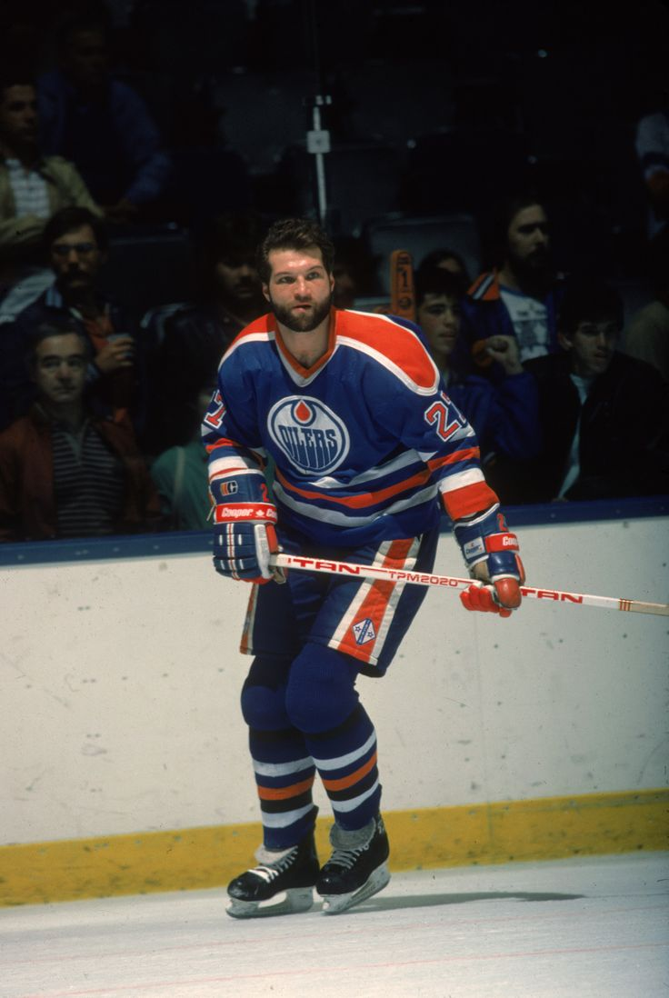 Dave Semenko, the former Edmonton Oilers winger known as Wayne Gretzky's on-ice bodyguard, died of cancer on June 29, 2017. He was 59.
