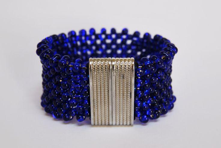 Ndebele z kobaltowych farfalli Zapytaj o dostępność na zamówienie w sklepie www.korallove.com