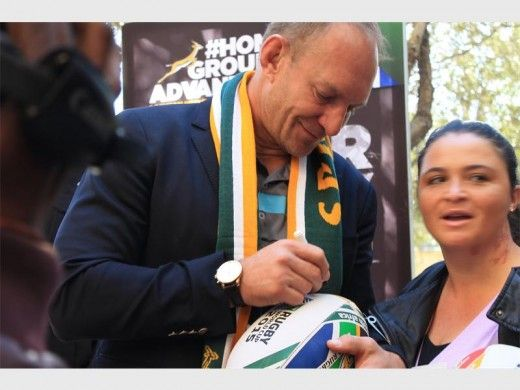 MONTECASINO- Springboks both past and current, media contingents, Tsogo Sun management and South African Rugby Union (Saru) officials came together at Montecasino to launch the Fly the Flag campaign ahead of the Boks 2015 World Cup campaign.