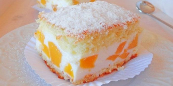 Торт со сметанным бисквитным кремом