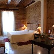 Very nice hotel in the center of Valencia. Hotel molt bonic al centre de Valencia.
