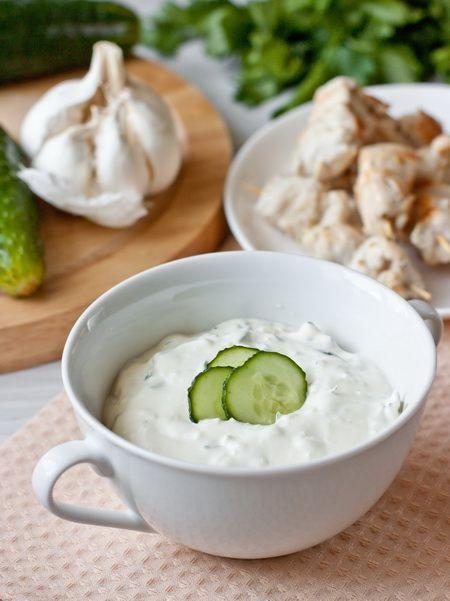 Сливочно-огуречный соус с чесноком - вкусные проверенные рецепты, подбор рецептов по продуктам, консультации шеф-повара, пошаговые фото, списки покупок на VkusnyBlog.Ru