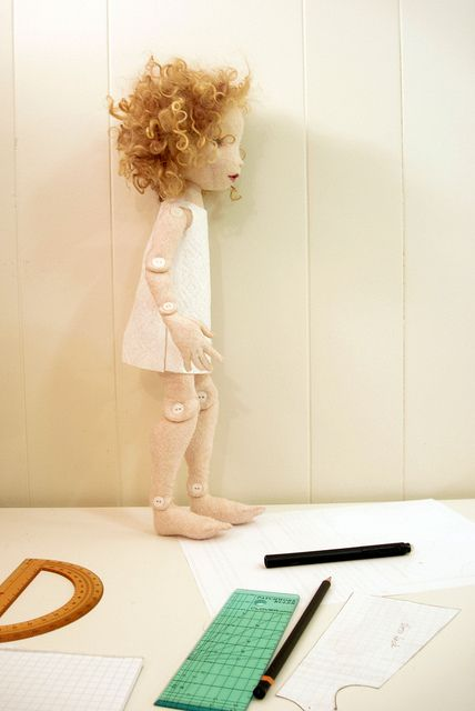 deze vrouw maakt echt fantastische poppen