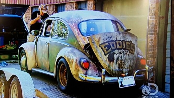 Fast eddie hooked azn and farmtruck up! The dung beetle is as fast as ever. Street outlaws.