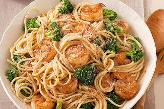 Receta de Cocina: Espaguetis con camarones al ajo