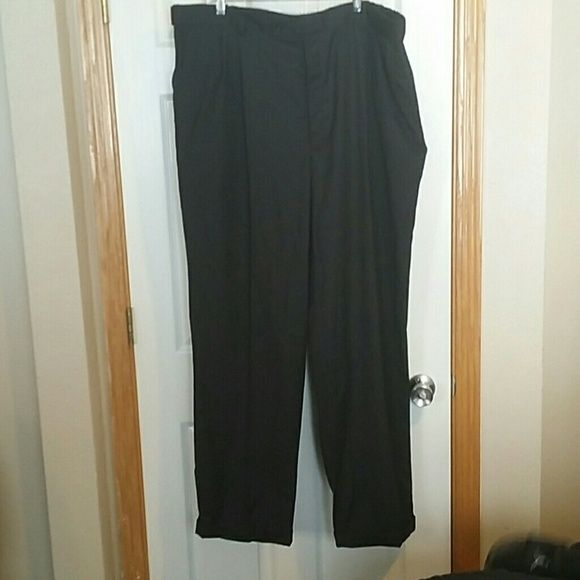 Men's dress pants Size 44/34 nice dress pant from JC Penney. Cuffed bottom. claiborne Pants Trousers
