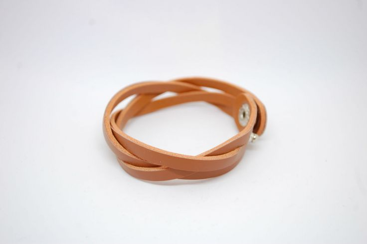 Коричневый плетеный браслет