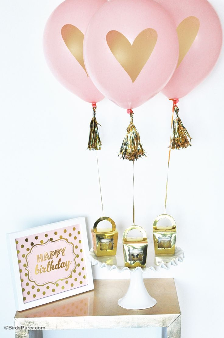 Love these gold heart party balloons!