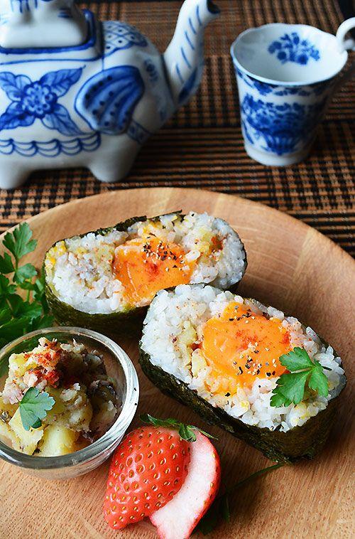 お腹大満足系おにぎらず 濃厚冷凍卵×オイルサーディン×ポテト : うちバル 金魚の肴