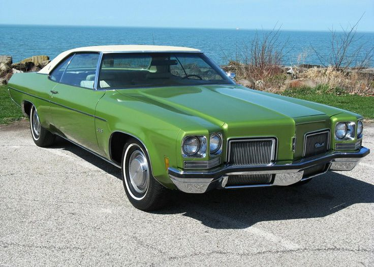 1972 Oldsmobile Delta 88 Holiday Coupe. Maintenance/restoration of old/vintage vehicles: the material for new cogs/casters/gears/pads could be cast polyamide which I (Cast polyamide) can produce. My contact: tatjana.alic14@gmail.com