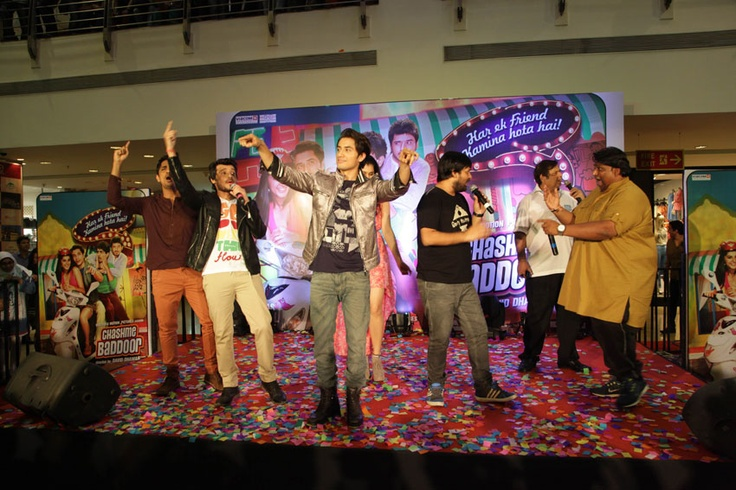 Singing with the tunes of Chashme Baddoor