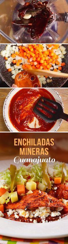 Las enchiladas mineras son un platillo tradicional del estado de Guanajuato, Querétaro y San Luis Potosí. Para hacer esta receta mexicana, remojamos las tortillas de maíz en una salsa de chile y las rellenamos con queso, papa y zanahoria cocida. ¡Sin duda un plato mexicano que te encantará!