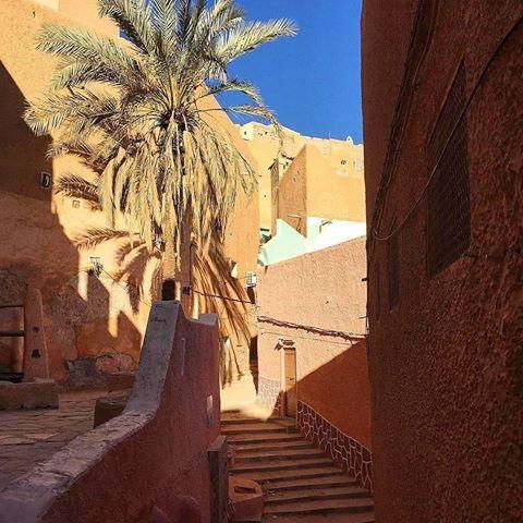 Ghardaïa ❤️• FOLLOW @topsaharaphoto ❤️💕💗!! ● TOP Algeria 📷 by @descendre_en_algerie • #topalgeriaphoto • Look at the featured gallery to share the L❤️VE #algeria #communityfirst