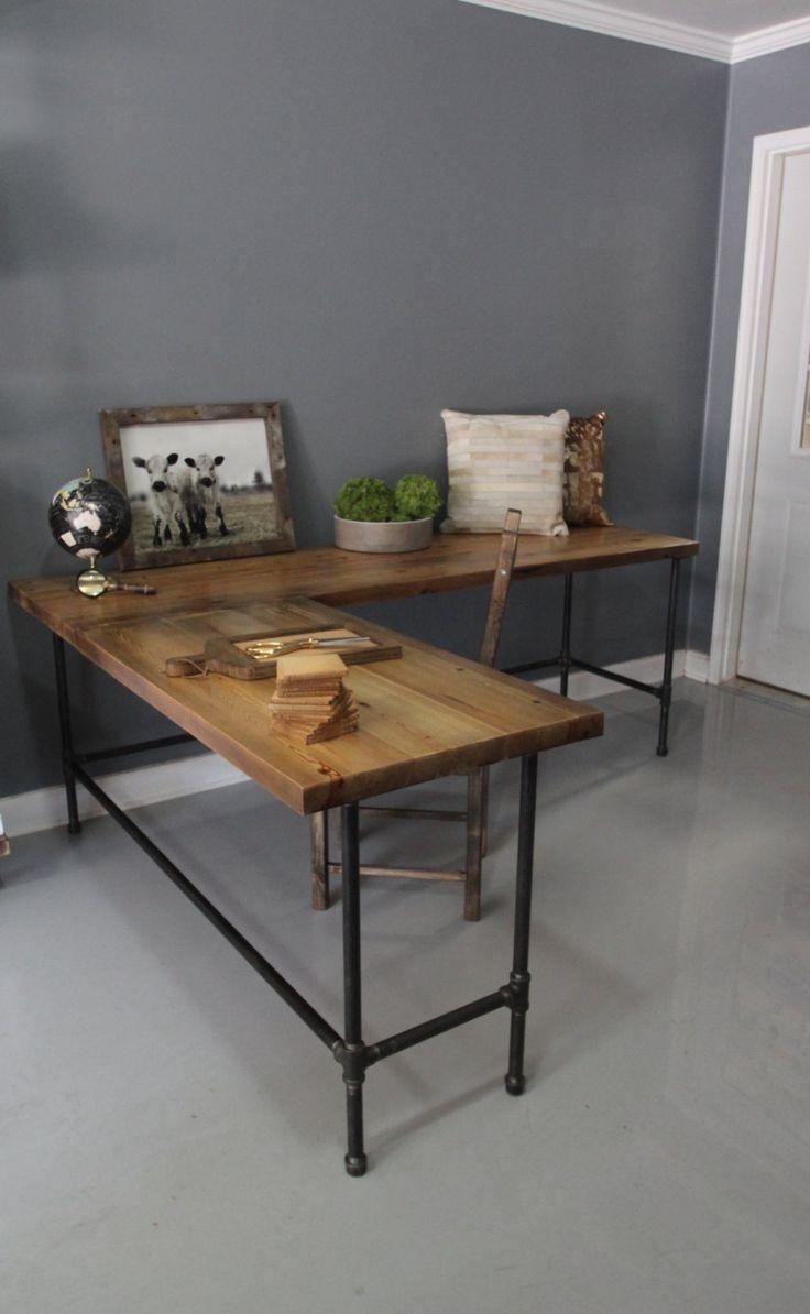 Dá para usar PVC e pintá-lo de preto, para dar mais resistência é só preencher a parte interna com material pesado ou cimento. Wooden L Shaped Desk Wood Desk Pipe Desk Reclaimed by DendroCo