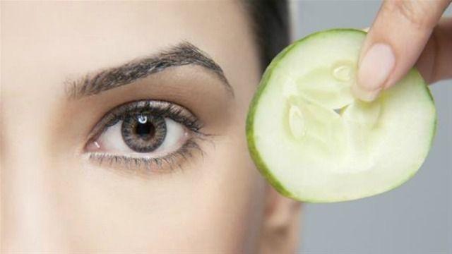 Pulizia viso: maschera al cetriolo e limone fai da te