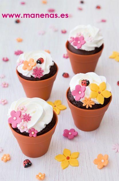 Cupcakes decorados en moldes de silicona con forma de for Decoracion en cupcakes