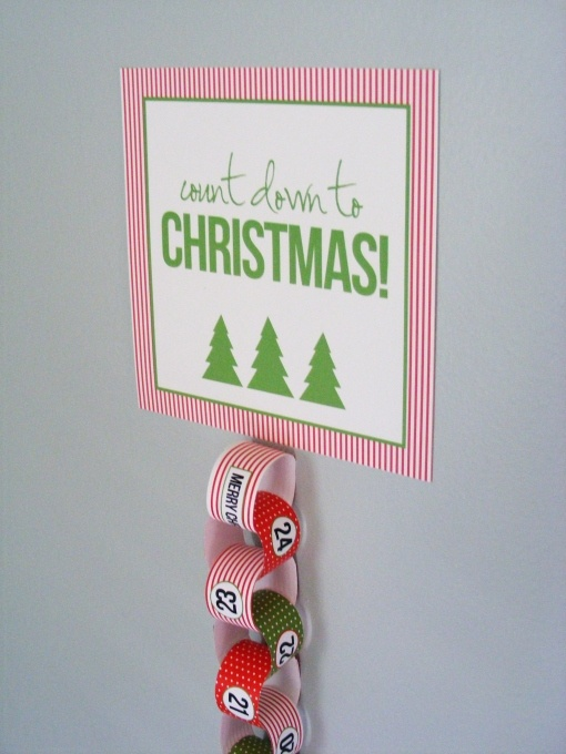 Countdown to Christmas. So easy - free printable included!!