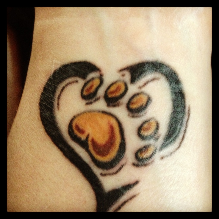 32 best bear paw tattoos images on pinterest tattoo for Pictures of bear paw tattoos