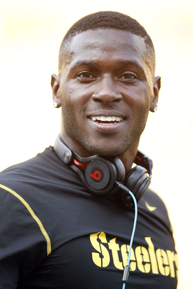 Pittsburgh Steelers wide receiver Antonio Brown reacts on the field before playing the New York Giants at Heinz Field.