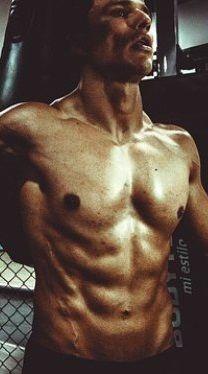 Jak wzmocnić mięśnie pleców? - http://tvnmeteoactive.tvn24.pl/fitness,3018/jak-wzmocnic-miesnie-plecow,182843,0.html