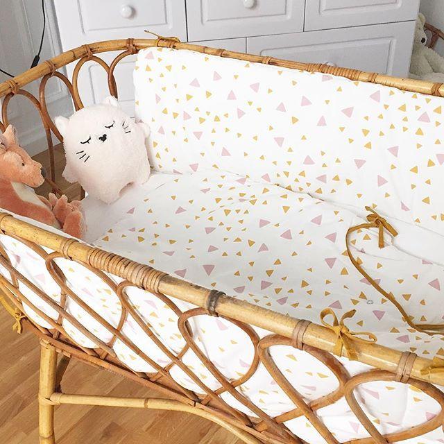 les 25 meilleures id es de la cat gorie berceaux pour b b s sur pinterest d cor pour b b. Black Bedroom Furniture Sets. Home Design Ideas