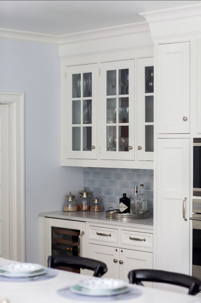 Traditional kitchen with storage ideas butler 39 s pantries for Benjamin moore kitchen paint ideas