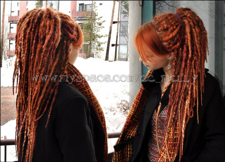 I want to have this hair color and these dreads! <3.. love this not sure i would were them but i like them...lol