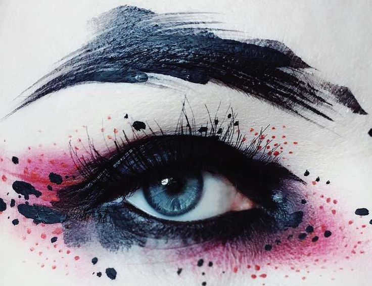 A selection of the creative make-ups by Finnishartist and professional makeup artistIda Ekman, based in London, who imagines hercreations as boldabstrac