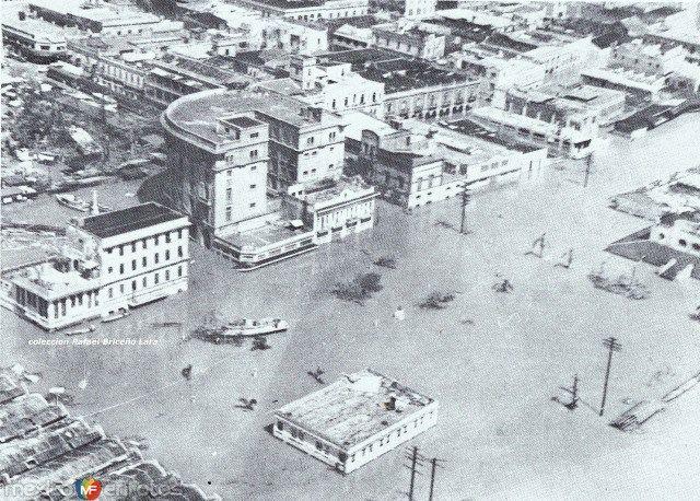 """Fotos de Tampico, Tamaulipas, México: Plaza """"Hijas de Tampico"""" sumergida durante la inundacion de 1955"""