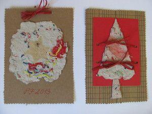přáníčka s červenou barvou a trojúhelníkovým stromečkem