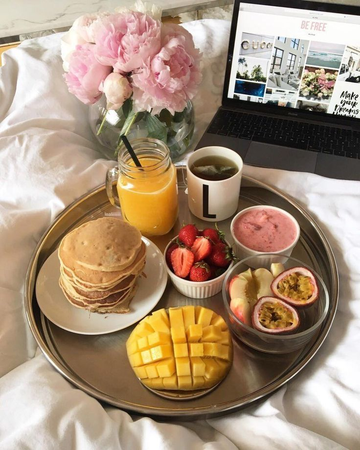 Easy Healthy Breakfast, Healthy Snacks, Breakfast Recipes, Healthy Recipes, Breakfast Ideas, Romantic Breakfast, Breakfast In Bed, Breakfast Menu, Breakfast Platter