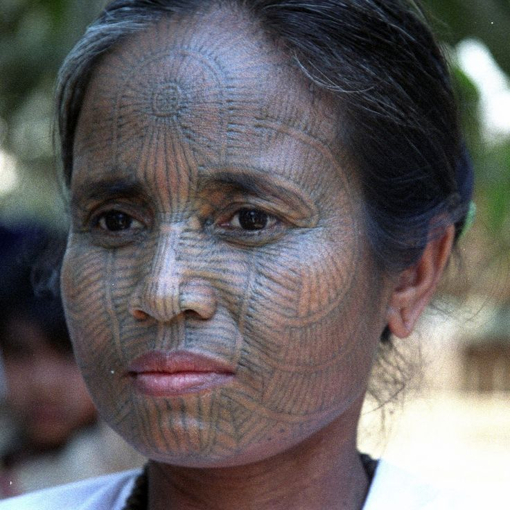 Asia | Portrait of a Laytoo Chin woman with facial tattoos, Arakan, Myanmar | © Walter Callens #tattoo