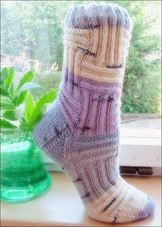 Красивые носки и так просто - лицевые и изнаночные петли!