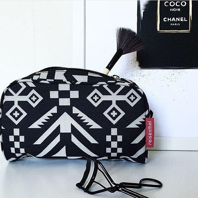 - reisenthel - erbjuder ett brett sortiment - allt från resväska till necessär i snygg design @baradesign.se -  foto: @styleica #reisenthel #design #necessär #baradesign #väska #väskoronline #jsasweden