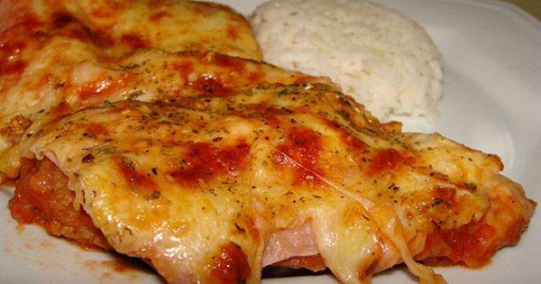Não tem como resistir. Eu gosto de qualquer comida a parmegiana e adoro fazer esse tipo de receito por ser simples. Receita de Bife à Parmegiana.