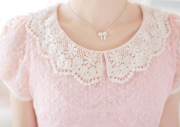 ♡ Lovely ♡ I would definitely wear this blouse!!!