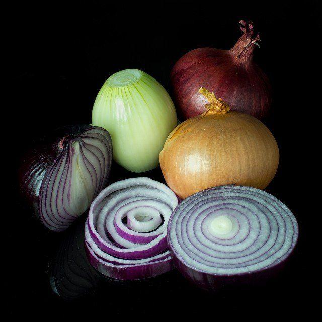 Jugo de cebolla para la cistitis, nefritis y retención de orina. La cebolla es una planta originaria del continente asiático que se caracteriza por...