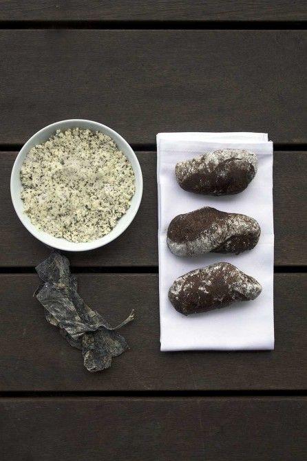 Maltbrød og tangsmør // Malt bread and seaweed butter