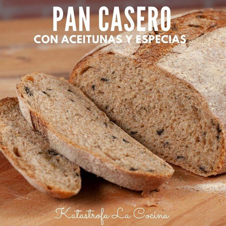 Este pan tiene una miga densa, es bastante pesado, en parte por la presencia de harina integral en la masa. Tiene un aroma y sabor extraordinarios gracias al especias y aceitunas negras que hacen una combinación de lujo; mientras se hornea la casa se impregna de ese olor que transporta e invita a degustar...Todas las recetas en detalle los encuentran en mi canal de YouTube: KATASTROFA LA COCINA #KatastrofaLaCocina #PanFrito #pan #PanEnSarten #receta #recetas #RecetasFaciles #cocina Yeast Bread Recipes, Bread Machine Recipes, Olive Recipes Appetizers, Pan Frito, Pan Dulce, Sourdough Bread, Bread Rolls, Cooking Tips, Nom Nom